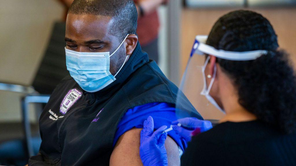 Pfizer Selidiki Kematian yang Dikaitkan-kaitkan Vaksin