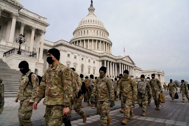 Pasukan Garda Nasional Bersenjata Dikerahkan di Jalanan Washington