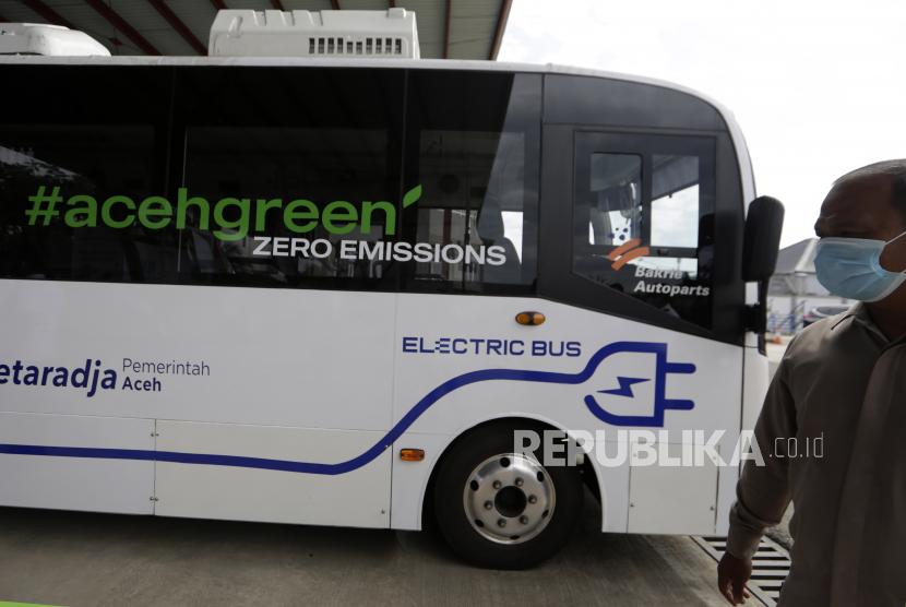 """Menjajal Bus Listrik di Kota """"Serambi Mekah"""" ,Nyaman"""