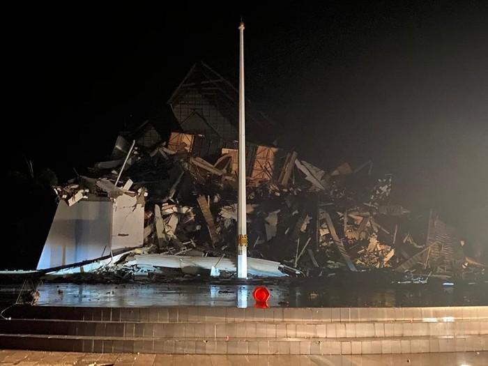 Kantor Gubernur Sulbar Ambruk, Ini Dampak Gempa M 6,2 Majene Sejauh Ini