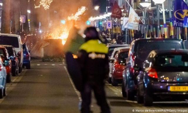 Belanda Rusuh, Ratusan Orang Ditangkap