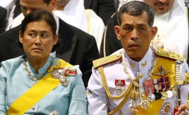 Raja Thailand Marah dan Mematahkan pergelangan kaki Saudaranya, ini pemicunya