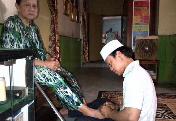 Rindu Orang Tua di Kampung, Ustadz Das'ad Latief Terhindar Dari Bencana Gempa Sulbar