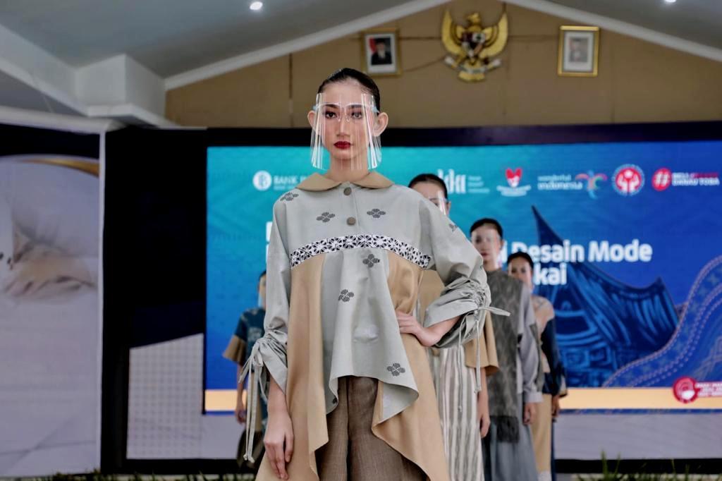 Dekranasda Kota Medan Apresiasi Fashion Show program Inkubasi Desain Mode