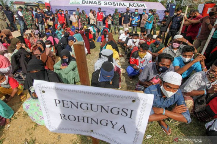 Lusinan pengungsi Rohingya dipindahkan dari Aceh ke Medan
