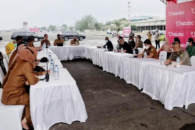 Wali Kota Medan Tinjau Persiapan Akhir Pelaksanaan Vaksinasi Drive Thru