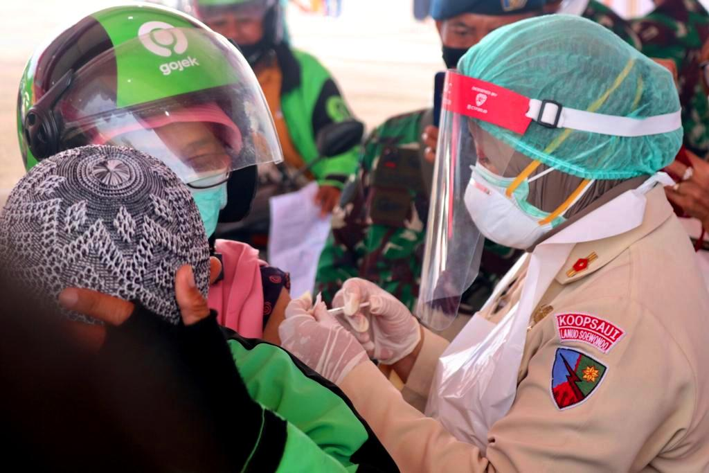 Panglima TNI dan Kapolri Puji Drive Thru Vaksinasi Covid-19 Medan