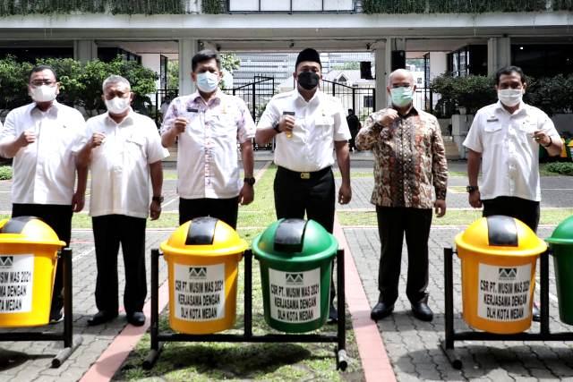 Pemko Medan Terima CSR 110 Tong Sampah dari PT Musim Mas