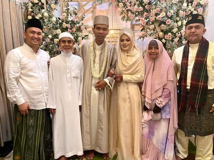 Menikahi Hafidzoh Fatimah Az Zahra, Ustadz Abdul Somad Kebanjiran Doa