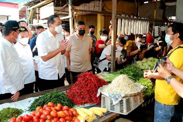 Mendag, Gubsu bersama Wali Kota Medan Tinjau Pasar Tradisional Belawan