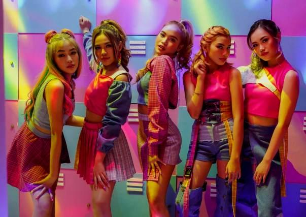 Resmi Debut, Girlband DREAMGIRLS Rilis Video Musik Single Perdana 'Falling In Love'