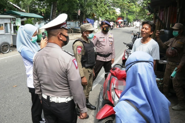 Gelar Patroli Prokes, Tim Gabungan Pemko Medan Masih Menemukan Warga Tidak Menggunakan Masker