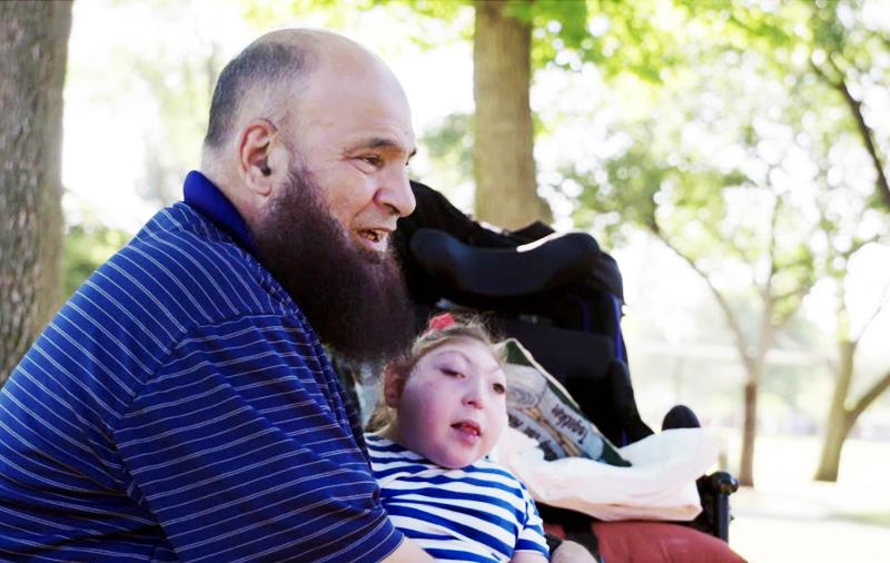 Pria Muslim Ini Adopsi Puluhan Anak yang Menderita Penyakit Mematikan