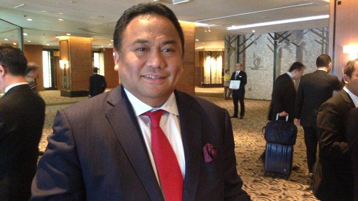 Rachmat Gobel Minta OJK Hentikan Sementara Bisnis Pinjaman Online